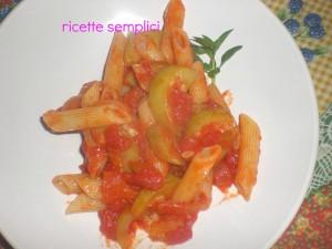 penne zucchina e ciliegino