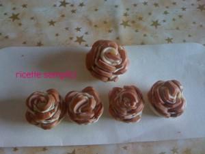 roselline di sfoglia ai wurstel